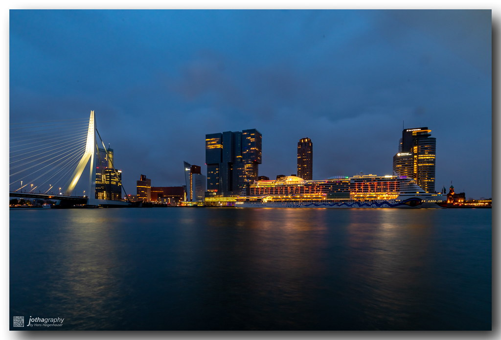 Blue hour in Rotterdam before the plague