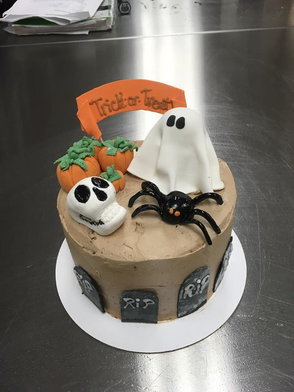 Cake by B's Bakery & Candy