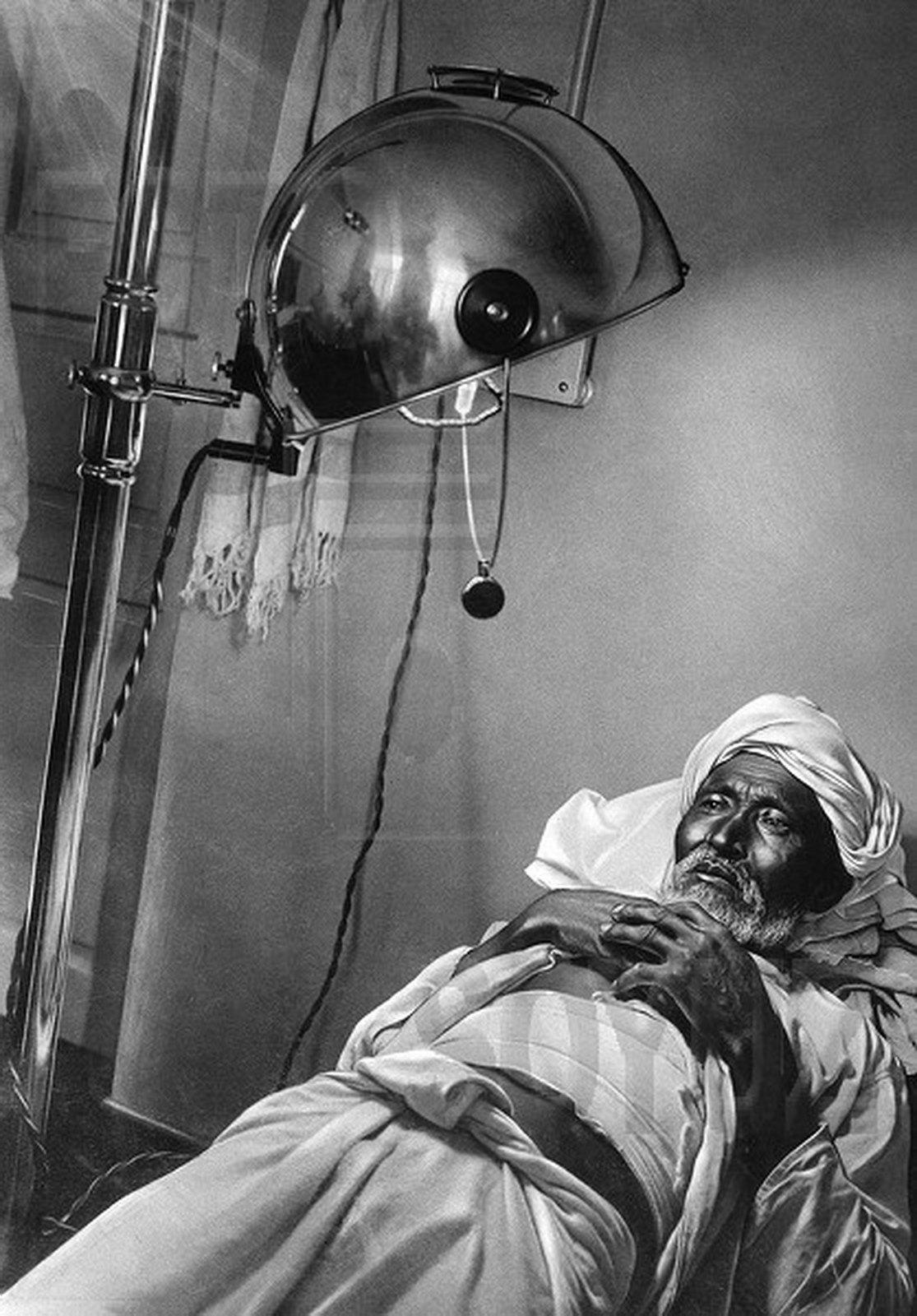 1928. Узбек под новым солнцем. Амбулатория