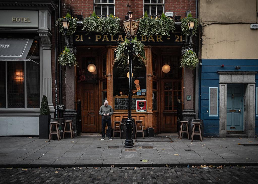 The Palace Bar: Fleet St.