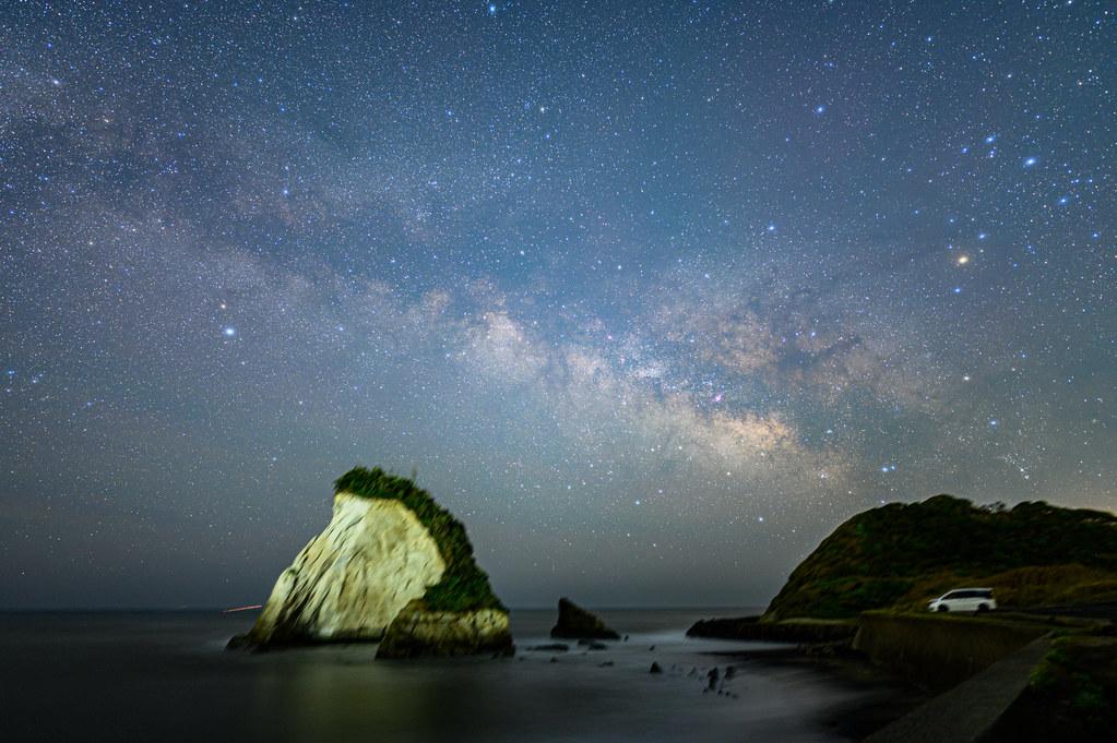 千葉県いすみ市の雀島(夫婦岩)で天の川を鑑賞