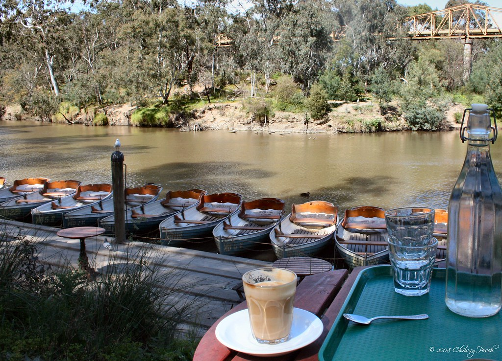 cafe-latte-by-the-river