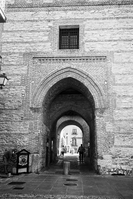 Arevalo, arco de Alcocer.