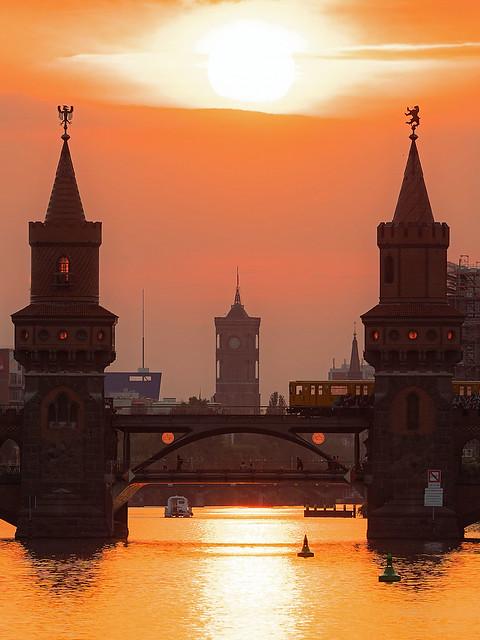 Oberbaumbrücke im Sonnenuntergang