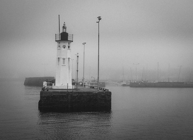 Gog, Lighthouse, Breakwater, Anstruther Harbour, Anstruther, Fife, Scotland, UK B&W
