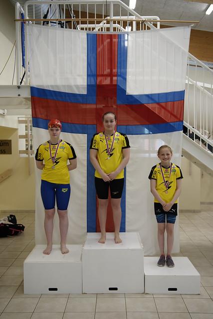 AO2021_RA79733_Medals_Women200Fly