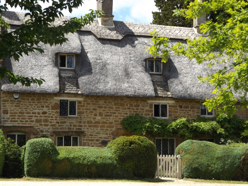 Thatched Cottages on The Green II, Great Tew, Oxfordshire, 12 June 2021