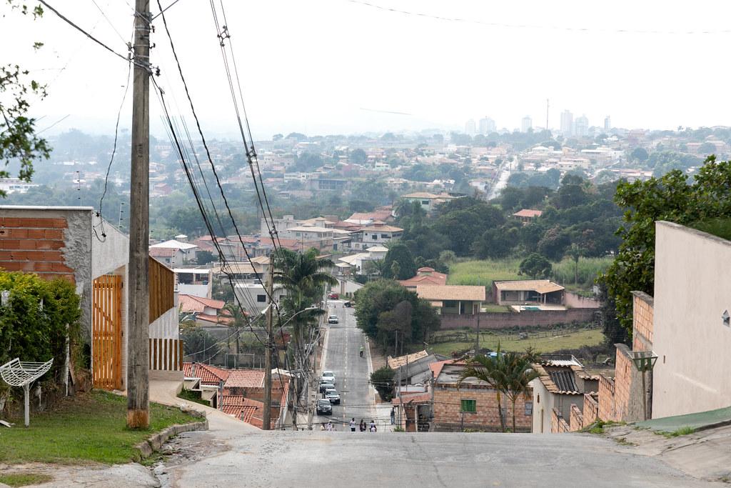 Prefeitura entrega Rua das Quaresmeiras, no Colonial - 12/06/2021