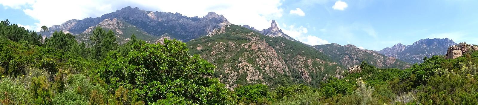 Au col intermédiaire 490m entre les deux montées : Panoramique