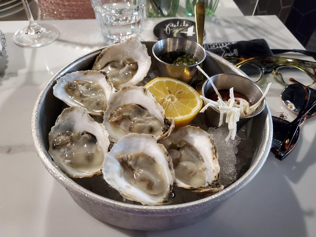 Half dozen mignonette oysters