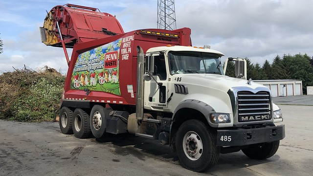 Penn Waste 485 dumping yard waste