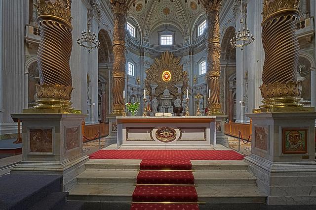 Interior Basilica H.H. Agatha & Barbara