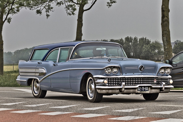 Buick Special Estate Wagon 1958 (2992)