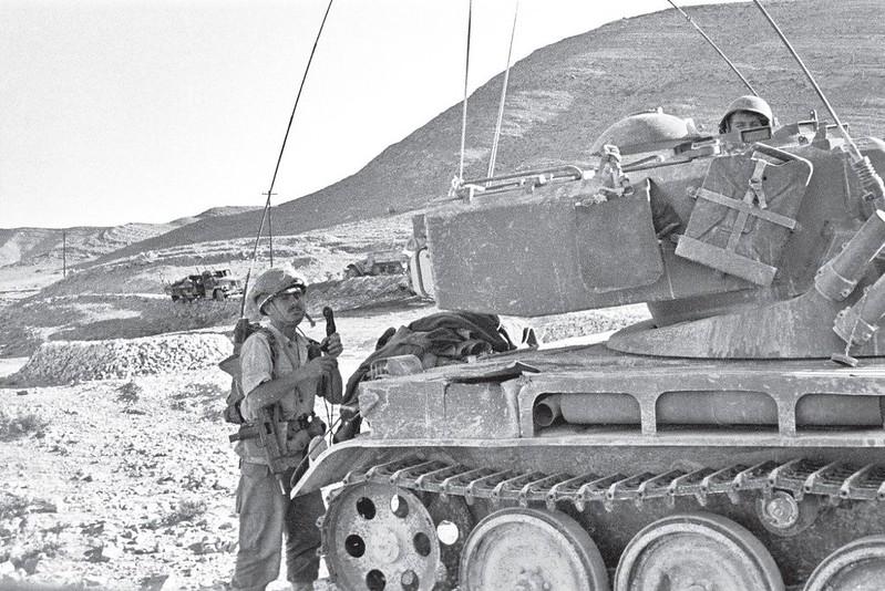 Radio-PRC-10-AMX-13-dan-shalit-88btn-mitle-1956-70y-1