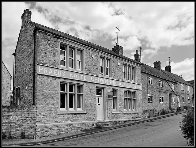 Former pub, Grendon