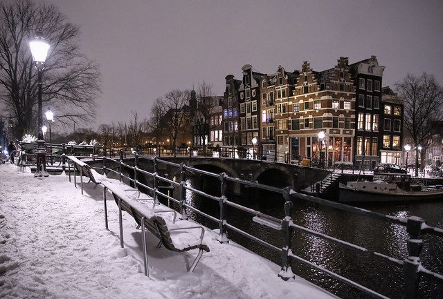 There is something very beautiful about Amsterdam in winter