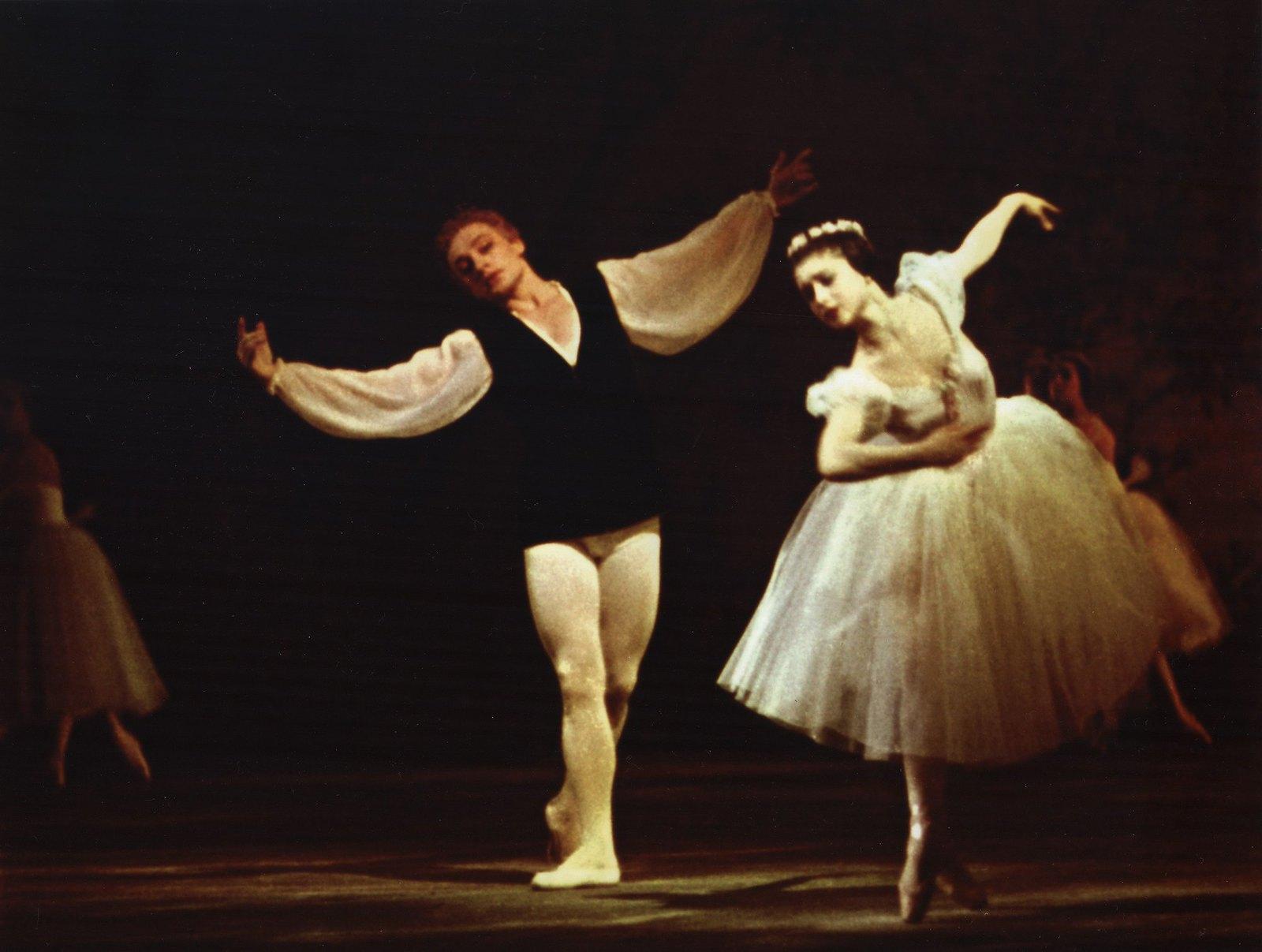 1959-1960. Солисты балета Большого театра Союза ССР Екатерина Максимова и Владимир Васильев