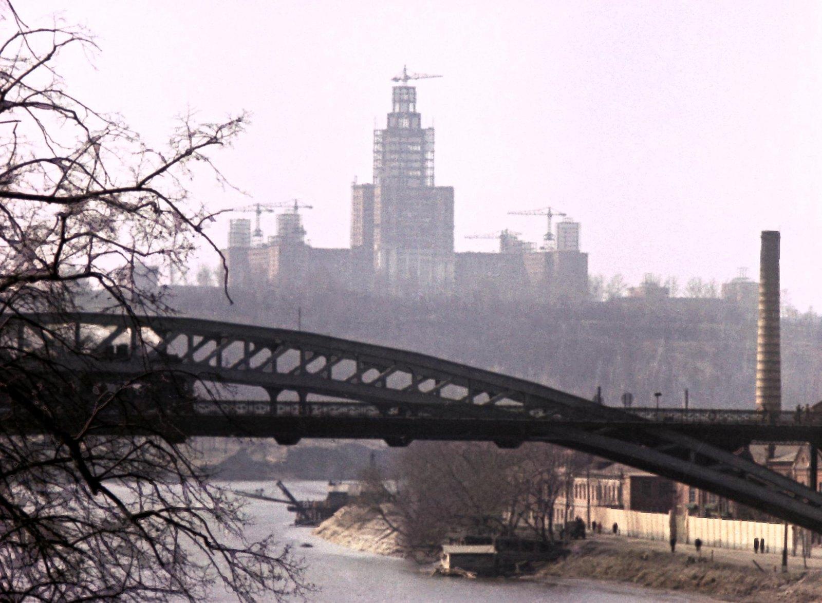 1955-1956. Строительство высотных зданий в Москве. Строительство здания Московского государственного университета им. М.В. Ломоносова