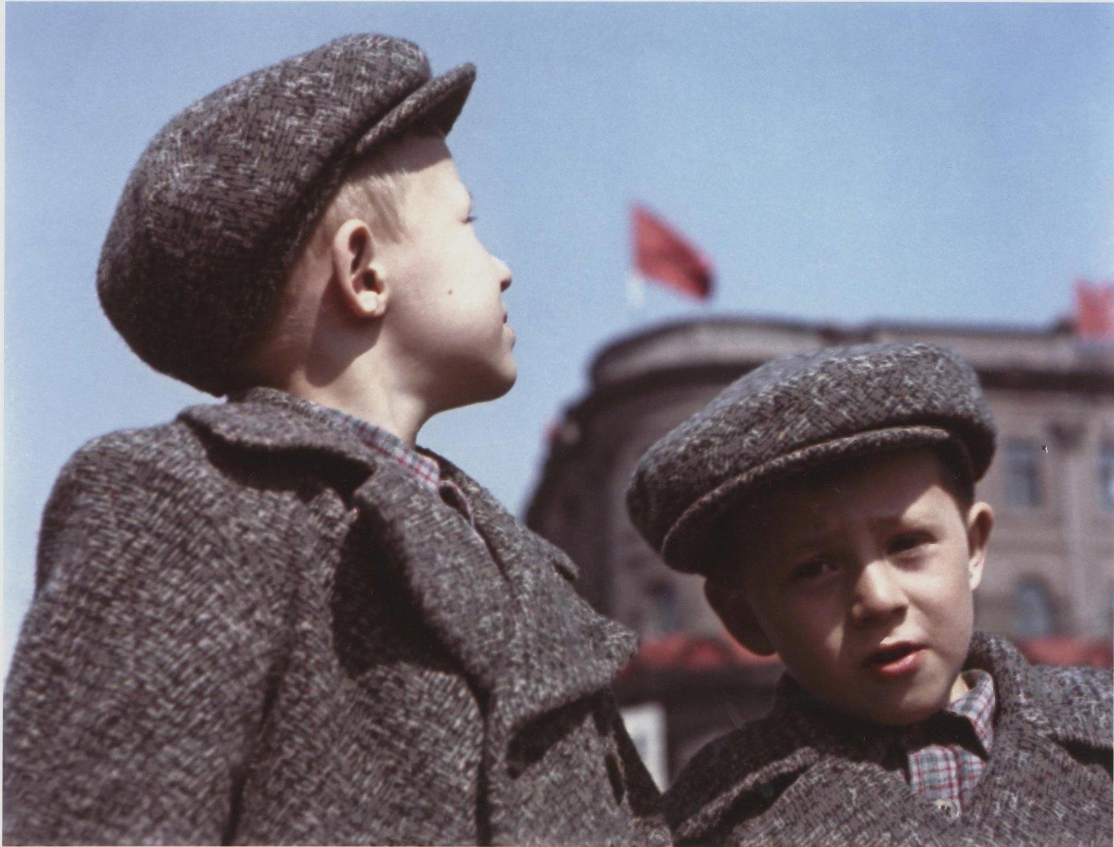 1948. Братья. 1 мая