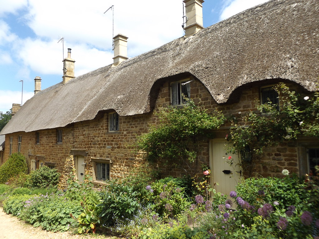 Thatched Cottages on Old Road, Great Tew, Oxfordshire, 12 June 2021