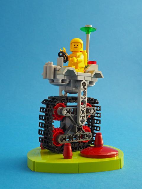 Classic Space Square Wheel Rover*