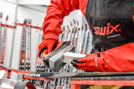 """Péče o lyže – jak správně """"zaletnit"""" své běžky"""