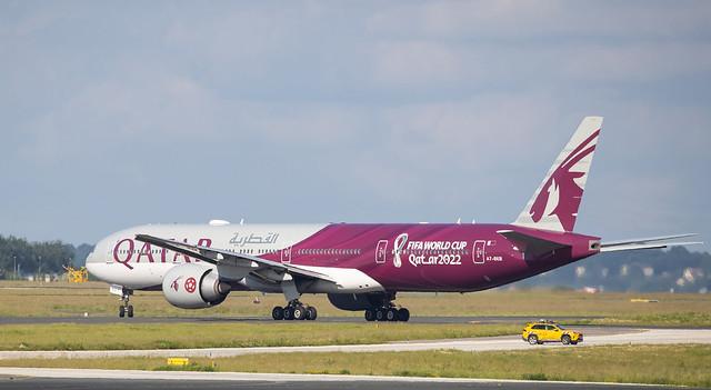 Boeing 777-300ER Qatar Airways - FIFA World Cup 2022 livery