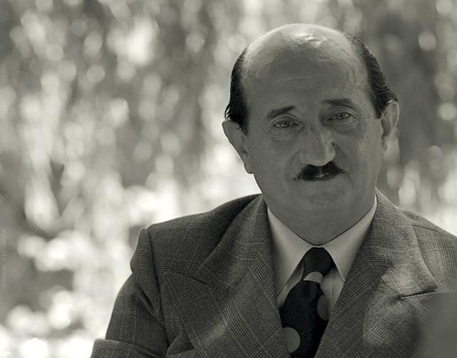 Roque Esteban Scarpa, escritor