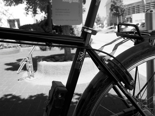 7e5_6133710-dirty-bicycle