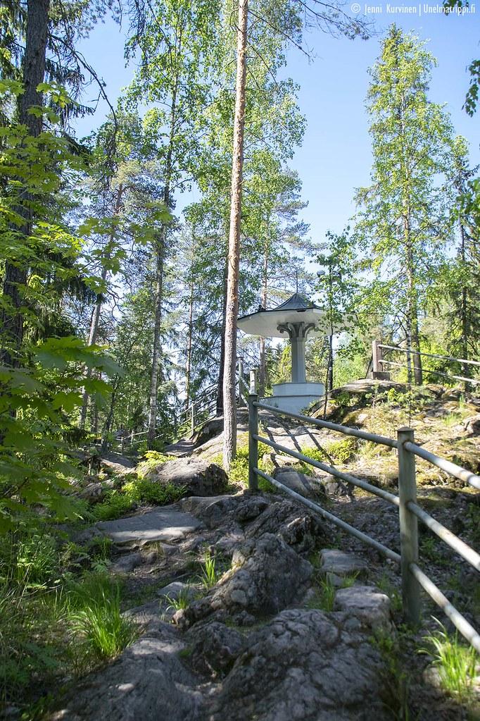 Paviljonki Kruununpuistossa