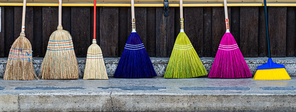 Monday Tuesday Wednesday Thursday Friday Saturday or Harry Potter' s broom sticks