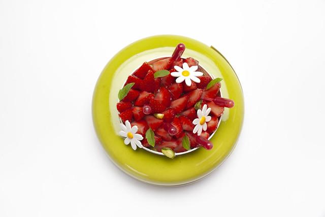 Tarta de pistacho, lichi y fresa 2-2