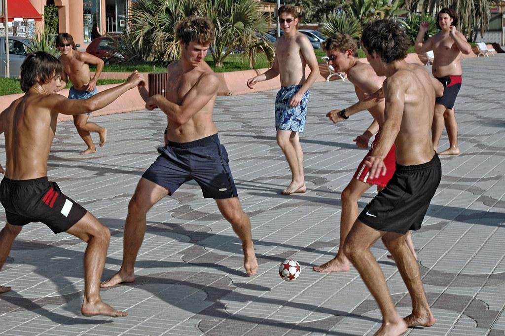 Fotballspill på playa Cristobal