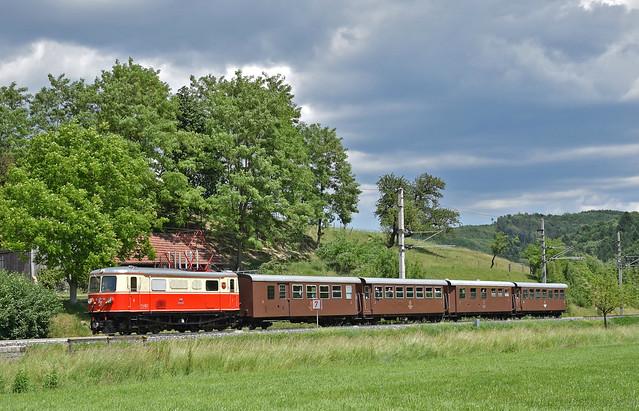 E14 (1099.14)  zwischen Hofstetten und Mainburg