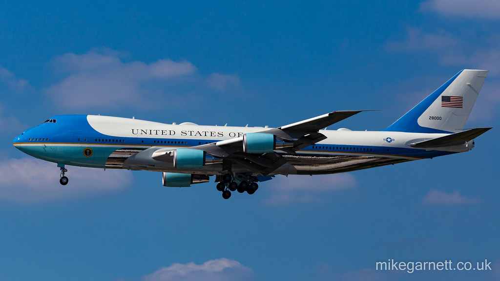 """""""Air Force One"""" 28000 on finals to Heathrow"""