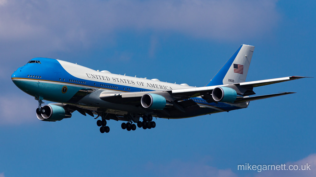 Air Force One on approach to London Heathrow Airport