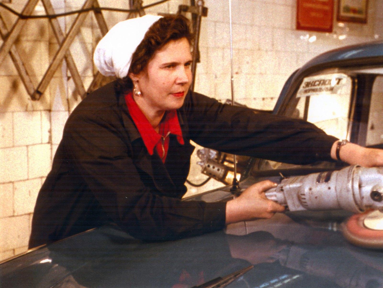 1961. В цехе автозавода «Москвич»