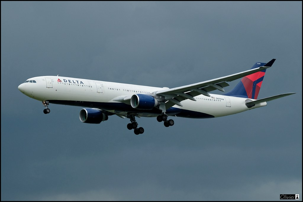 Airbus A330-323, Delta Air Lines, N819NW