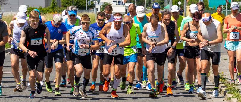 Zlínský jarní půlmaraton vyhrál Červenka, maraton v Přílukách ovládl Veselý