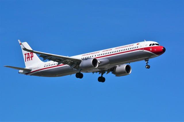 (ORY)  TAP Airbus A321 Neo CS-TJR