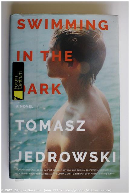 Tomasz Jedrowski   Swimming in the Dark