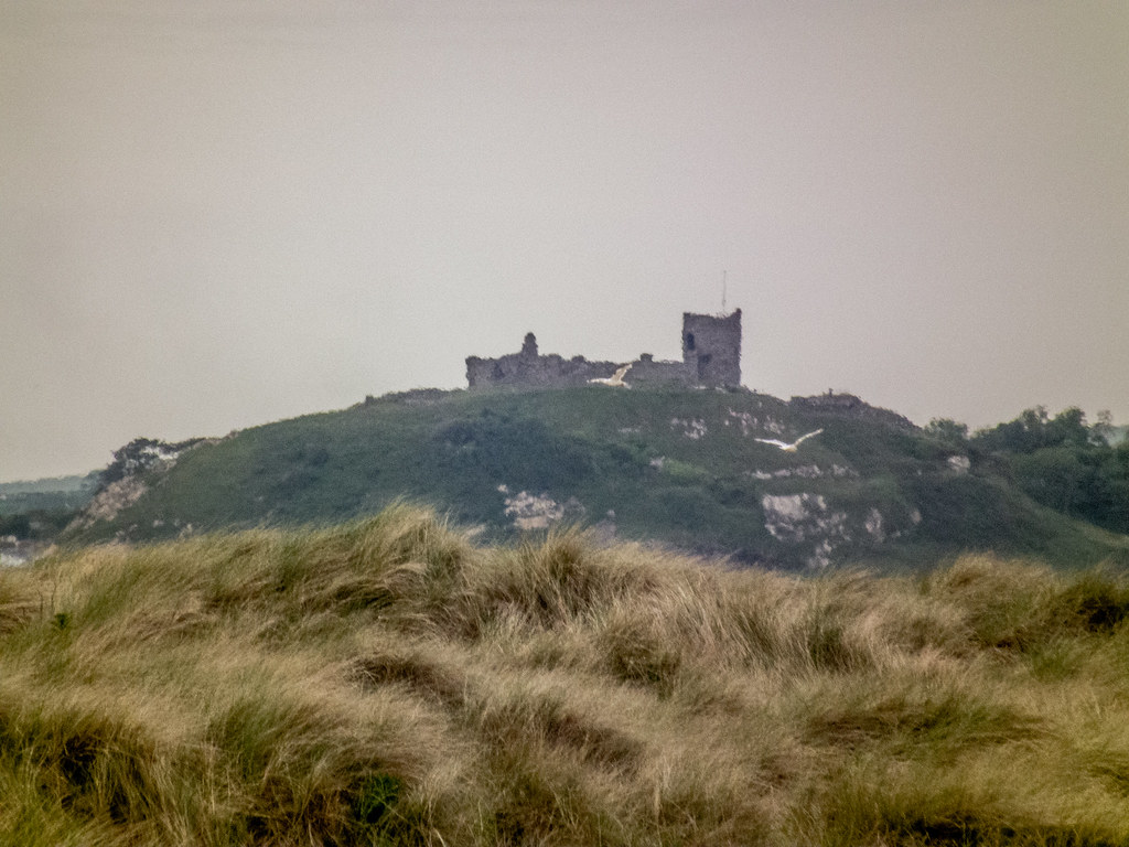 2021 - 06 - 06 - HS10 - Cricceith Castle - Viewed from Black Rock Sands - 000