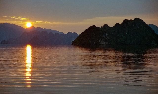Vietnam - Halong Bay - sunset