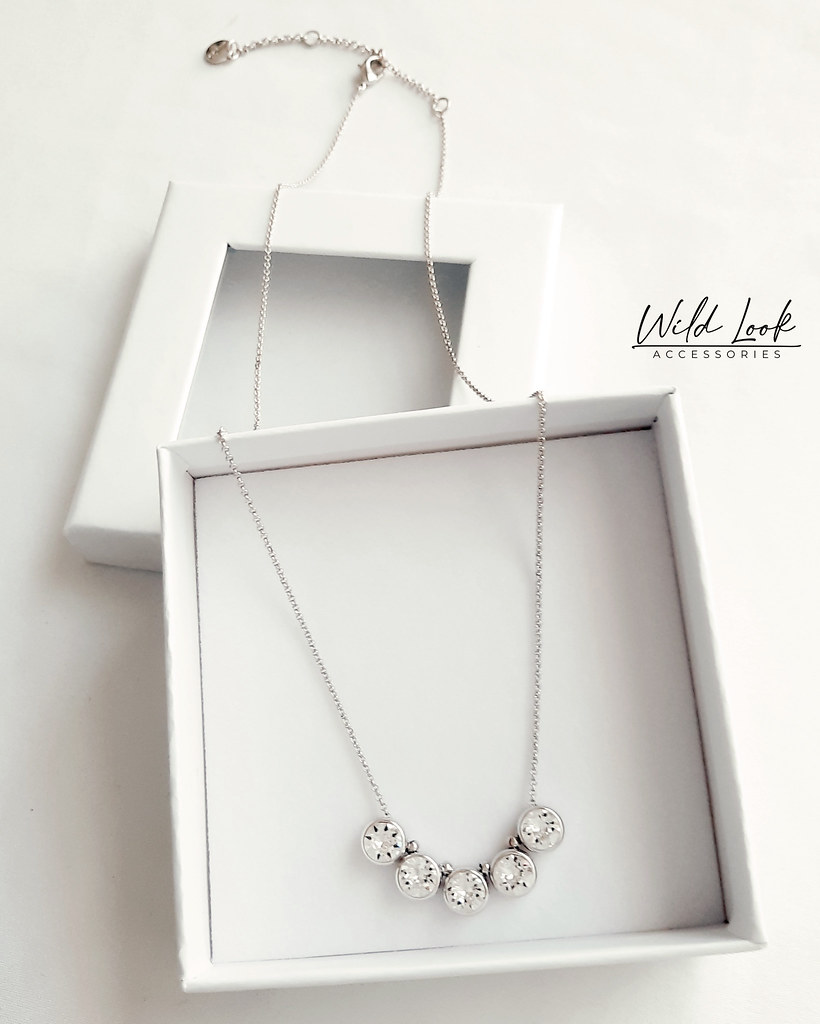 FINE SILVER FIVE CRYSTAL NECKLACE45