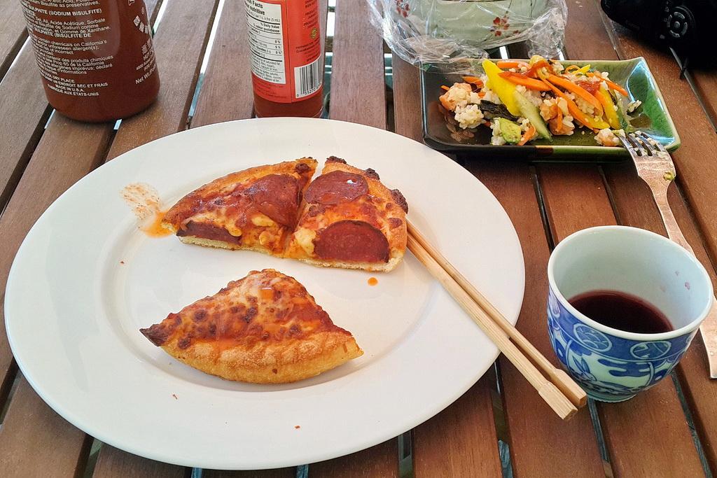 pizza hut - pepperoni pizza