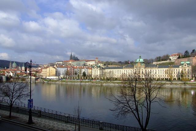 2008-04-02_08-37-00_Prague_Old_Town_JH