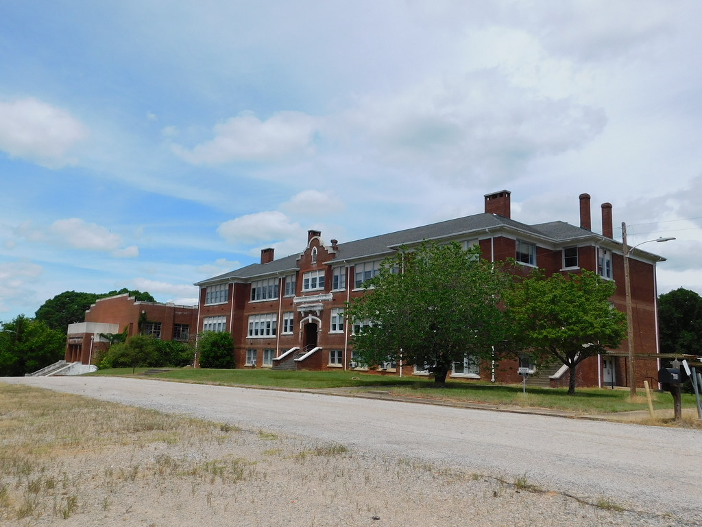 The Old Wentworth Consolidated School