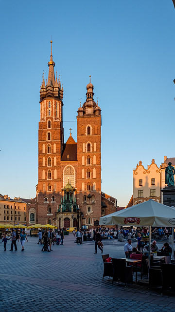 The Historic St Mary's Basilica - Market Sqyure - Krakow Old Town (Fujifilm X70 Compact)