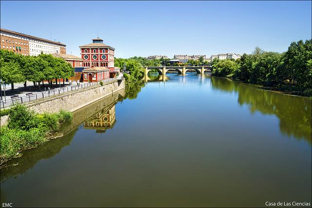 Casa de las Ciencias, río Ebro. Logroño, La Rioja.