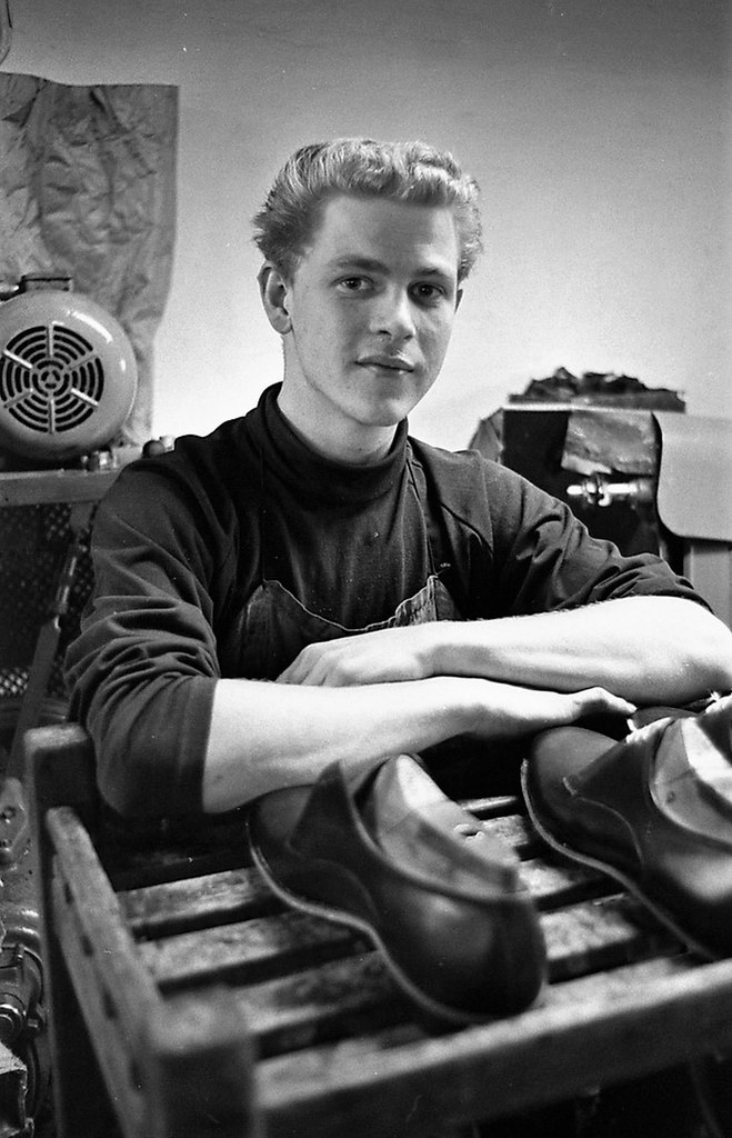 Information meeting for factory workers. Shoe trade agreement. Sweden May 3. 1966.